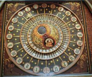 1510 Wells_cathedral_clock_dial