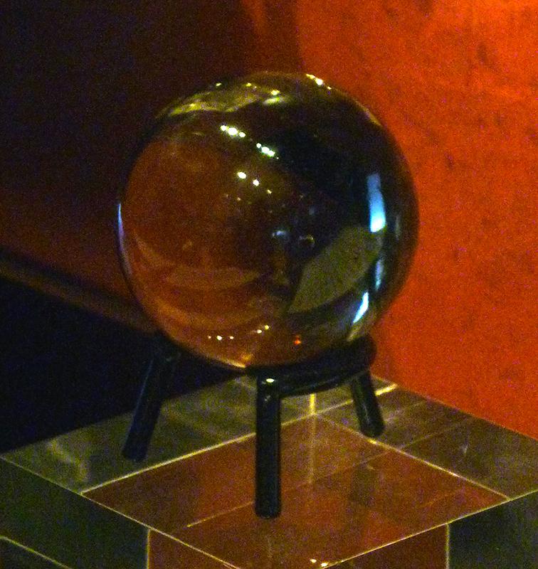1602 John Dee crystal ball