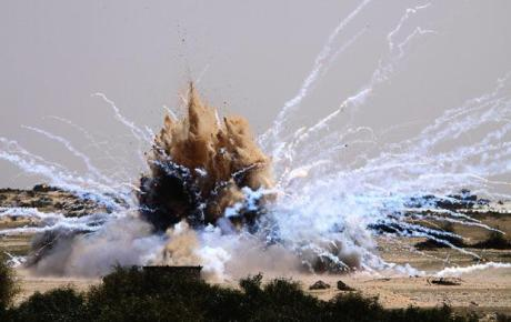 1607 white phosphorous munitions explosion.jpg