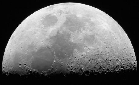1607 Moon Darío Villanueva