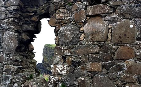 1609-dunluce-castle